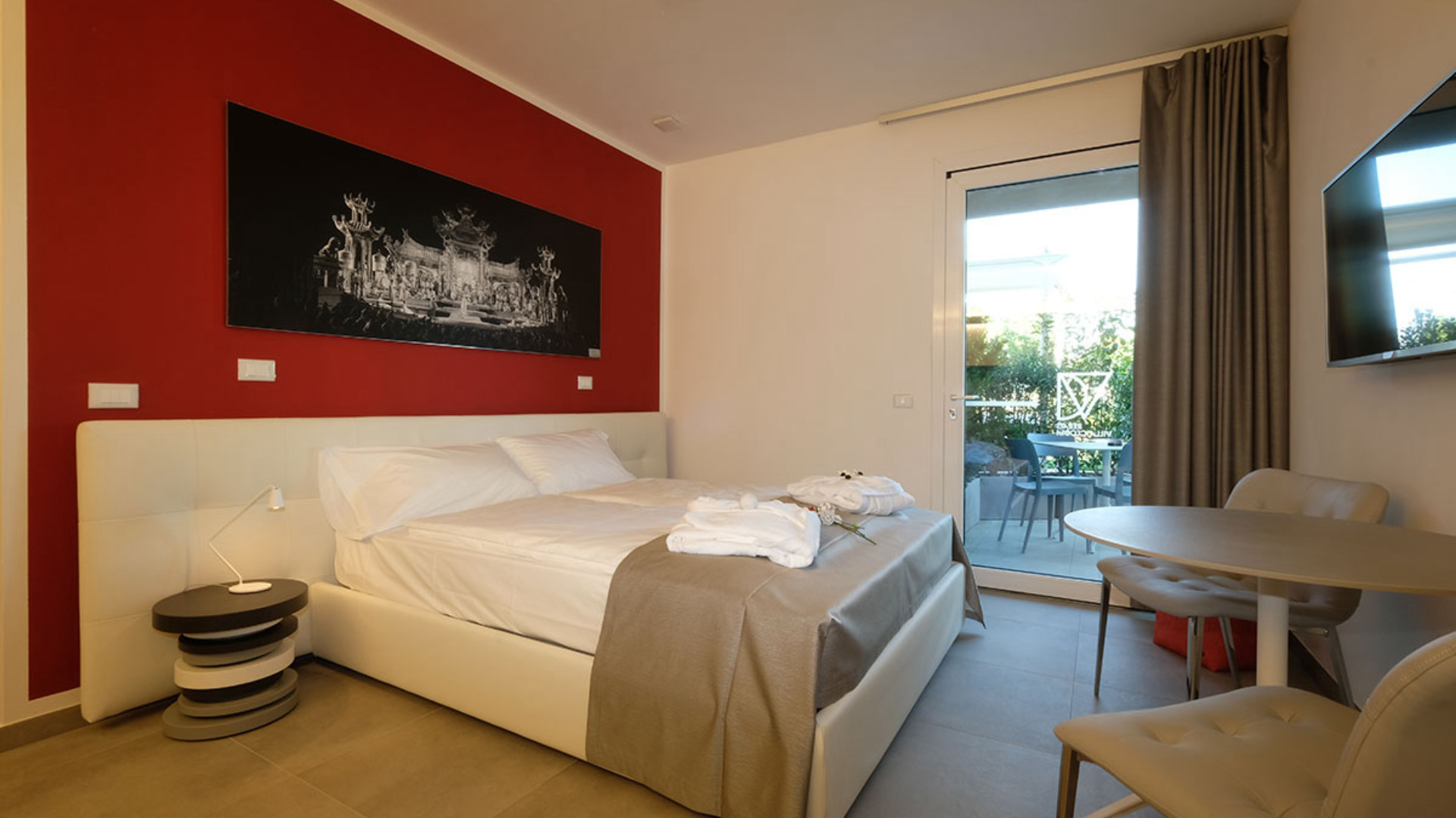 Maximum accessibility for everyone at the elegant and comfortable barrier-free apartment at Villa Clodia: for a carefree stay.